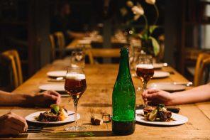 Cinco razones para maridar con Cerveza Alhambra