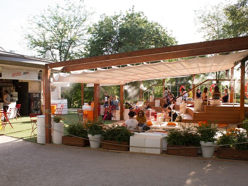 Verano naranja en la terraza atenas de madrid for Terrazas de verano madrid